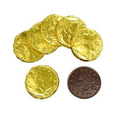These allergy-friendly chocolate coins make a fun treat for those with food allergies. Purchase dairy-free chocolate coins from Natural Candy Store today! Types Of Chocolate, Chocolate Coins, Chocolate Gold, Dairy Free Chocolate, Vegan Chocolate, Signs Of Food Allergies, Natural Candy, Types Of Candy, Vegan Candies