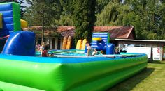 Festival inflatable games and sports for teenagers and adults. Inflatable Bounce House, Inflatable Slide, Sports Games, Things That Bounce, Europe, Outdoor Decor, Sports, Pe Games
