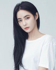 Travel App designed by SoLemon for Top Pick Studio. Connect with them on Dribbble; Pretty Korean Girls, Beautiful Asian Girls, Korean Beauty, Asian Beauty, Korean Girl Photo, Ulzzang Makeup, Girl Life Hacks, Ulzzang Korean Girl, Model Face