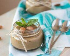 Petite crème chocolatée au lait d'amande : http://www.fourchette-et-bikini.fr/recettes/recettes-minceur/petite-creme-chocolatee-au-lait-damande.html