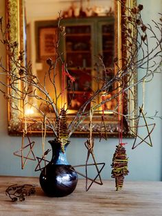 It's the time of the year to start thinking about your Christmas decorations. There's a huge amount of material you can use in your garden and making your own decorations from natural materials can be both rewarding and good for the environment. Discover how with our feature on GardensIllustrated.com