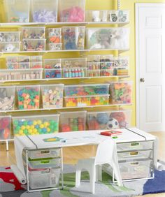 Would love this desk for my daughter!