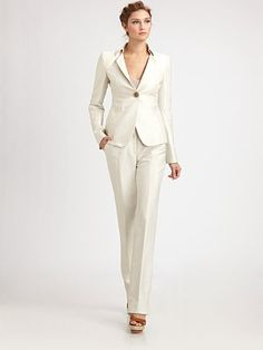 White pant suit. A classic!!