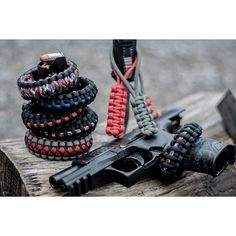 """New on my website. Review: @tactical_jewelry. Check out his page for other custom 550 cord gear.  ___________________________________  #paracord…"""
