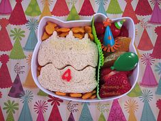 Becoming A Bentoholic: Happy Birthday! #LunchPunch