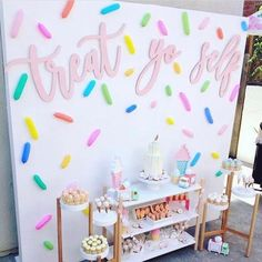 Produção super fofa no Tema Sorvete! ・・・ How adorable is this ice cream theme party that was planned and styled to… Donut Birthday Parties, Donut Party, 10th Birthday, 2nd Birthday Party For Girl, Colorful Birthday Party, Girl Theme Party, Spring Birthday Party Ideas, Hippie Birthday, Cute Birthday Ideas