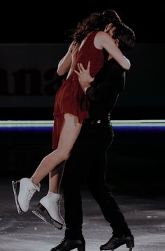 Couple Aesthetic, Book Aesthetic, Aesthetic Girl, Virtue And Moir, Tessa Virtue Scott Moir, Ice Skating, Figure Skating, Skate 3, Tessa And Scott