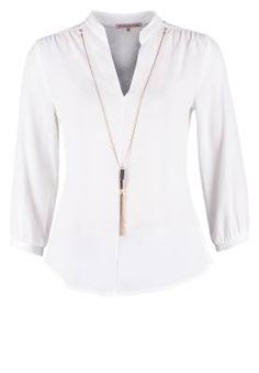 Anna Field Blusa Offwhite Las Prendas Distinguidas Viste tu guardarropa con las prendas distinguidas y delicadas del momento, las blusas y blusones de mujer.