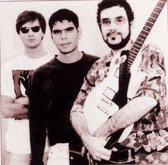"""Legião Urbana foi uma banda muito importante na minha adolescência, era a banda mais escutada entre os jovens dos anos 80, sempre que escuto a música """"TEMPO PERDIDO"""" fico emocionada porque marcou a melhor década da minha vida"""
