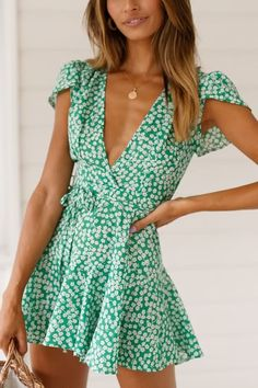 Women Green Polka Dot Print V Neck Tied Cap Sleeve Sexy A Line Dress - S - Save. - - Women Green Polka Dot Print V Neck Tied Cap Sleeve Sexy A Line Dress – S – Save it if you like this One 🙂 ! Source by klausdieterpriefert – Source by NoreneOfficial Simple Dresses, Elegant Dresses, Casual Dresses For Women, Sexy Dresses, Cute Dresses, Short Dresses, Dresses For Work, Clothes For Women, Mini Dresses