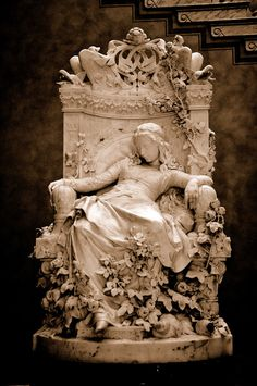 Dornröschen (Sleeping Beauty) by Louis Sussmann-Hellborn, 1878, Alte Nationalgalerie, Berlin, Germany. (The pic come from Jo´seph)