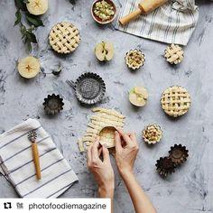 #Repost @photofoodiemagazine Almáspite készítés  #apple #alma #applepie #almáspite #pie #mik_gasztro #magyar #hungarian #yummy #gasztro #foodphotography #foodpic #foodstyling #mutimitsütsz #mutimiteszel #mik #ikozosseg #instafood #inspiration #food #gasztrofoto #delicious #inspiration #food #foodphotography #foodpic #foodstyling