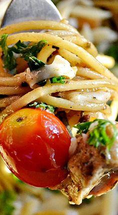 Spaghetti in Garlic Gravy with Lemon Marinated Chicken, Herbs and Cherry Tomatoes ❊