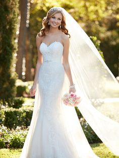 @BridalPulse Wedding Dress Gallery | Stella York Collection | Floor Ivory A-Line Sweetheart $$ ($1,001-2,000)
