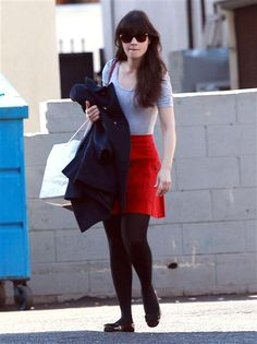 "No. 14: Zooey DeschanelThe ""New Girl"" star's fashion sense is just as adorkable off the set as on. Her hipstertastic staples include cute ballet flats, tights, poofy skirts, and primary colors. (Check, check, check, and check!)"