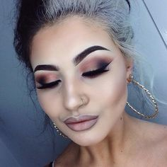 Beautiful look by Jamie Genevieve using Makeup Geek's  Vegas Lights Palette eyeshadows.
