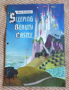 VINTAGE 1957 WALT DISNEY'S SLEEPING BEAUTY CASTLE DISNEYLAND SOUVENIR BOOKLET