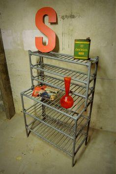 ancien chariot roulette de boulangerie brocante pinterest roulette boulangerie et ancien. Black Bedroom Furniture Sets. Home Design Ideas