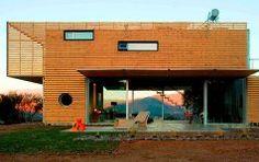 Haus mit Fassade aus Europaletten