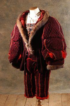 Theatre Costumes, Movie Costumes, Landsknecht, Renaissance Era, Sofia Coppola, Fashion Plates, Costume Design, Fur Coat, Cinema