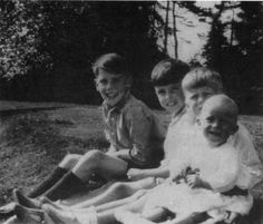 Jeremy Brett with his three older brothers John, Patrick, and Michael Young Sherlock Holmes, Jeremy Brett Sherlock Holmes, Sherlock Holmes Stories, British Men, British Actors, Star Pictures, Star Pics, Good People, Amazing People
