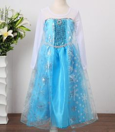 Frozen Costume Dress Elsa Dress Queen Elsa Dress Snow by mariocook! Princess Anna Costume, Princess Elsa Dress, Anna Dress, Queen Dress, Frozen Princess, Princess Girl, Disney Princess, Baby Cosplay, Elsa Cosplay