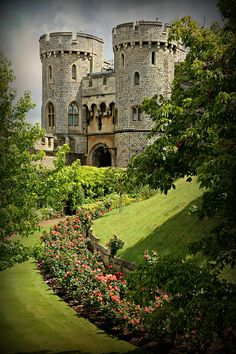 Windsor Castle Gardens. That time that we were supposed to go to Windsor Castle, and the bus broke down.