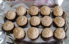 Kto by nepoznal tieto skvelé koláčiky :) Czech Recipes, Dessert Recipes, Desserts, Pavlova, Christmas Cookies, Muffin, Food And Drink, Lunch, Snacks