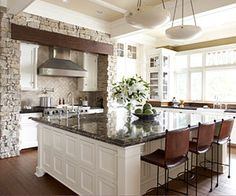 kitchen islands  http://bestkitchenandbathideas.com/wp-content/uploads/2010/03/Island2.jpg