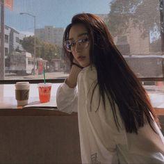 -ˏˋ 💋 ˊˎ- ➷ulzzang ღ girls➶ Ulzzang Korean Girl, Cute Korean Girl, Ulzzang Hair, Uzzlang Girl, Korean Aesthetic, Aesthetic Girl, Ulzzang Fashion, Korean Fashion, Korean Beauty
