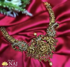 South Indian Jewellery, South Indian Bride, Neck Piece, Antique Gold, Gold Jewelry, Chokers, Pearls, Bridal, Antiques