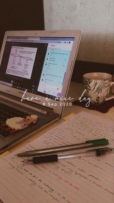 School Organization Notes, Study Organization, Study Corner, Study Pictures, School Study Tips, Work Motivation, Study Hard, Instagram Story Ideas, Studyblr