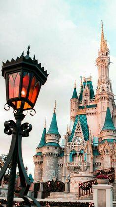 Disneyland Photos 2019 – – Top Of The World Wallpaper Travel, Disney Phone Wallpaper, Wallpaper Iphone Disney, Disney Phone Backgrounds, Walpaper Iphone, World Disney, Disney Art, Disney Crafts, Disney Worlds