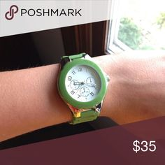Luxury green watch, adds color to any outfit. Green and silver. Needs new battery. Accessories Watches