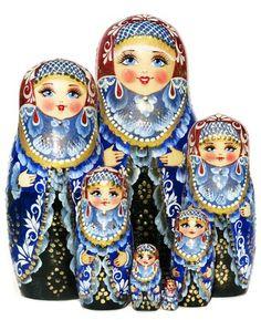 Queen Nesting Doll 7-Piece Russian Matryoshka