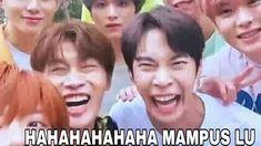 Funny Kpop Memes, Cute Memes, Tea Meme, Reading Meme, Funny Boy, Jungkook Aesthetic, Cartoon Jokes, Good Jokes, Meme Faces