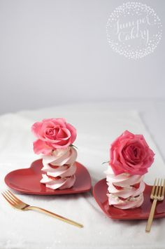 Strawberries and Chantilly cream pavlova recipe