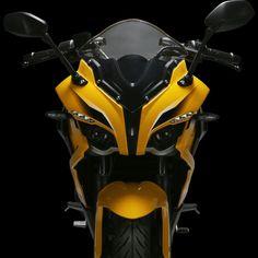 Features : Bajaj Pulsar 200 RS Twin Headlamp