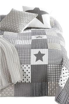 Quiltet sengeteppe i størrelse 260x260 cm 100�0bomull med bomullsfyll. 100�0bomull<br>Vask 40° Tiffany, Comforters, Quilts, Blanket, Fabric, Bomull, Headboards, Home, Bedrooms