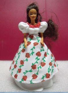 NIP-2-Mexican-Barbie-Cake-Toppers-McDonalds-Mattel-Around-the-World-Figurine