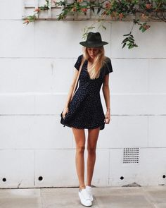 48 Classy Summer Outfits Ideas You Should Try Summer at the s. 48 Classy Summer Outfits Ideas You Should Try Summer at the seaside is all about lazy days spent lying on the glistening sand, swimming in crystal blue water, … outfits ideas Elegant Summer Outfits, Classy Outfits, Spring Outfits, Summer Dresses, Outfit Summer, Casual Outfits, Sun Dresses, Formal Outfits, Wrap Dresses