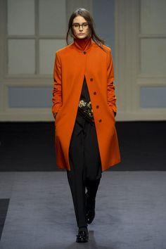 Paul Smith orange coat.  #fashion #fashflick Paul Smith, World Of Fashion, High Fashion, My Wardrobe, Dapper, Cold Weather, Fashion Models, What To Wear, Duster Coat