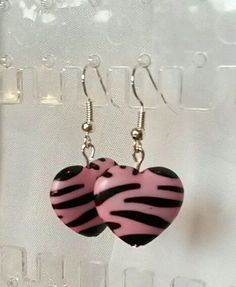 Handgemachte Ohrringe Ohrhänger rosa Zebra Herzen