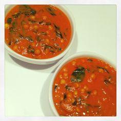 Ez az afrikai ragu recept nagyon egyszerű, pár összetevős, isteni finom étel.2 adag1 vöröshagyma3-4 fokhagyma gerezd 1 pohár passzírozott paradicsom2 evőkanál mogyoróvaj (Az enyém 100%-os, nem tartalmaz hozzáadott cukrot, sót és olajat. Bioboltokban, Müllerben,… Salsa, Vegetarian Recipes, Dishes, Vegetables, Ethnic Recipes, Food, Gravy, Plate, Tablewares