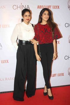 Sridevi was beautiful in a white shirt and black palazzos while her Jhanvi looked like a star-in-the-making in a red top and black jeggings at Anushka Rajan's art exhibition in Mumbai on July 31. http://movies.ndtv.com/photos/the-star-and-the-star-in-the-making-sridevi-jhanvi-17462
