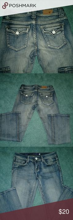 Vigoss New York Bootcut Jeans, size 5** **These are labeled as size 5, but they fit more like a 7 in my opinion. Inseam is 30. These are a re-posh... I bought and they were too big for me. Good condition. Vigoss Jeans Boot Cut