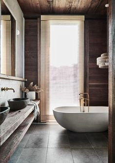 Modern Country Accomodation Inspired By The Aussie Shed The Design Files – A Modern Country Home Inspired By The Aussie Shed. Rustic Bathroom Vanities, Rustic Bathroom Decor, Bathroom Modern, Rustic Vanity, Boho Bathroom, Rustic Bathrooms, Master Bathrooms, White Bathroom, Shed Bathroom Ideas