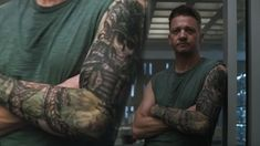 Hawkeye's tattoo and the Avengers: Endgame timeline, explained Die Avengers, Hawkeye Avengers, Scary Tattoos, Cool Tattoos, Awesome Tattoos, Jeremy Renner, Birmingham Tattoo, Kate Bishop Hawkeye, Video Iron Man