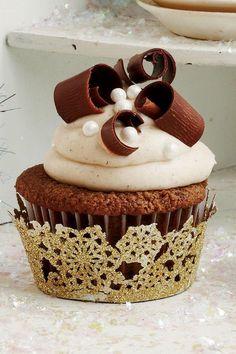 Best Chocolate Cake Recipes: Chocolate Velvet Cupcakes