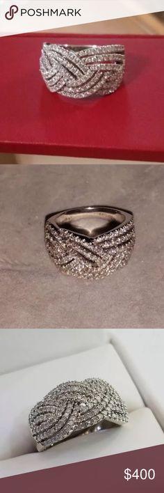 Beautiful 1carat 10k white gold diamond twist ring Beautiful 1carat 10k white gold diamond twist ring Jewelry Rings